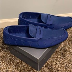 Blue leather loafer never worn